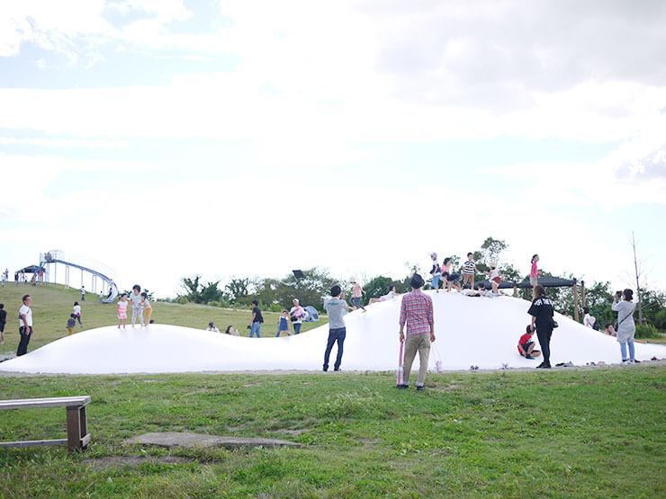 海岸公園冒険広場はデイキャンプからどろんこ遊びまでいろんな体験ができる特別な公園